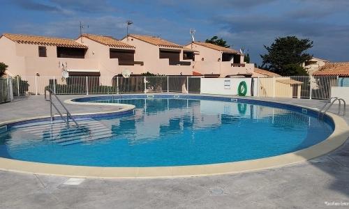 La petite piscine d'Aphrodite Village Naturiste - © Locations-Leucate.com