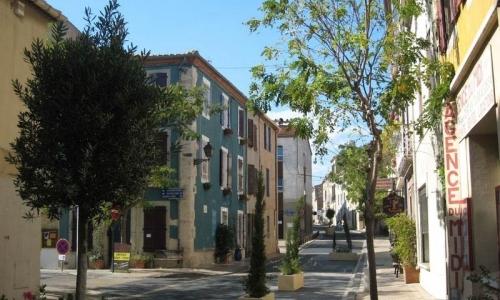 Rues colorées de Leucate Village - © Locations-Leucate.com