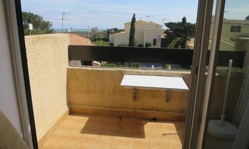 Balcon du studio 313 à Aphrodite Village Naturiste - © Locations-Leucate.com