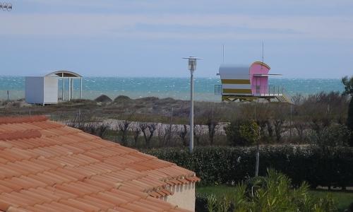 Vue sur mer du balcon du studio 313 à Aphrodite Village Naturiste - © Locations-Leucate.com
